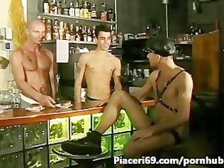 ragazzi italiani inside triangolo  gay inside