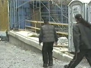 2 latino guys have fuck on a construction site