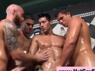 gays having pleasure into the bath quarters