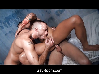 gayroom bangin inside the bathhouse