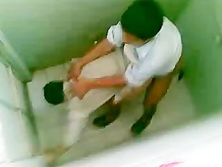 m2 bathroom gays